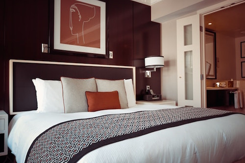 Fall interior design ideas in the bedroom