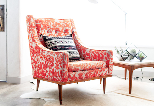 Interior design color trends in living coral